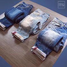 Fotos Clothing Store Displays, Clothing Store Design, Visual Merchandising Fashion, Retail Merchandising, Retail Wall Displays, Denim Display, Decoration Vitrine, Denim Art, Jeans Store