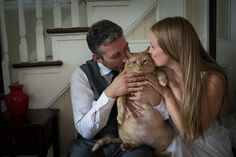 Even though Vito, a cat, wasn't able to attend his owners' July 8 nuptials, Kiah Berkeley and Peter Sorkin made sure that their tubby tabby had a memorable part in the day: via their wedding photos. Cat Wedding, Wedding Humor, Wedding Couples, Wedding Pictures, Wedding Ideas, Adoption Stories, Cat Pose, Pet News, Groom Poses