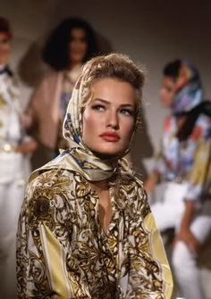 The grace of Karen Mulder...