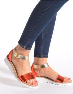 Sandales de la marque Française Maurice Manufacture, 179€ sur Sarenza.com