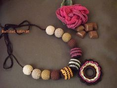Babywearing necklace crochet balls nursing by ButiculColorat