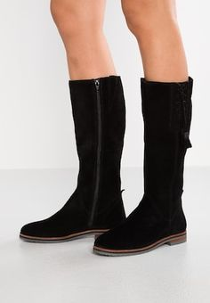 fbf0e14e0b8 123 Best Woman boots images in 2019