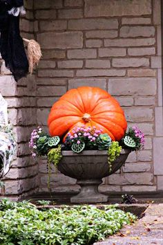 Expand Good Tomatoes Working With Container Gardening Techniques Stunning Fall Planters For Easy Garden Fall Decorations 46 Fall Planters, Outdoor Planters, Winter Planter, Garden Planters, Autumn Garden, Easy Garden, Garden Fun, Garden Ideas, Container Plants