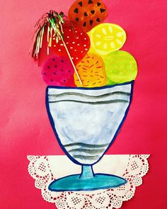 ☀️ • e i s b e c h e r • . . . Juhu endlich ist der Sommer☀️ da und damit die Zeit, in der Eis am besten schmeckt dieses Bild werden wir morgen in Kunst malen Der Eisbecher wird mit Wasserfarben gemalt und ausgeschnitten. Dann wird das Eis auf buntes Tonpapier geklebt und darunter die Tortenspitze Anschließend kommt die Dekopalme in den Eisbecher und fertig ☀️ Da bekommt man doch gerade Lust auf ein Eis oder nicht? • • • #kunst #kinderkunst #kunstunterricht #kunstindergrun...