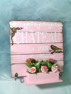 Wall painting stencil wood signs 38 ideas for 2019 Stencil Wood, Stencil Painting On Walls, Painting On Wood, Decoupage Vintage, Shabby Chic Farmhouse, Vintage Shabby Chic, Pallet Wall Art, Diy Wood Signs, Wooden Crafts