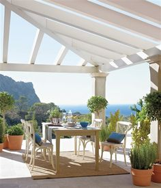Un balcón sobre el mar mallorquín · ElMueble.com · Casas - comedor con espectaculres vistas