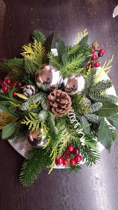 Eigen maaksel 2018 Christmas Centerpieces, Christmas Decorations, Holiday Decor, Christmas Diy, Christmas Wreaths, Xmas Games, Advent, Floral, Flowers