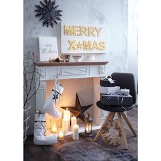 Diese Socken mit niedlichem Bommelbesatz sowie mit Sternen- und Merry-Christmas-Print erwärmen nicht die Füße, sondern das Herz! #impressionen #christmas