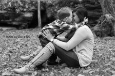 Sweet mother son pose. Fall/ winter photo session. Chelsea Doy Photography.