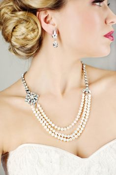 cool 33 Stunning Bridal Jewelry Trends to Watch Out For Her  https://viscawedding.com/2017/04/11/33-stunning-bridal-jewelry-trends-watch/
