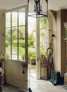 Elegant English country living room ideas for your home. English cottage interior design suggestions and inspiration. The Doors, Back Doors, Windows And Doors, Large Windows, Style At Home, Decoration Entree, Entry Hall, Front Entry, Home Fashion