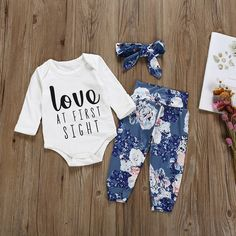 Baby Girls Letter Print Bodysuit and Floral Allover Pants with Headband Set - my best baby product list Floral Print Pants, Printed Pants, Baby Girl Letters, Winter Baby Clothes, Autumn Clothes, Summer Clothes, Baby Overall, Baby Jumpsuit, Romper