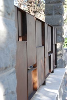 idea for varying materials and postions on the fence .Villa Alma restauration, Pieve Santo Stefano, Italy designed by Fabbricanove :: fence detail Detail Architecture, Landscape Architecture, Landscape Walls, Landscape Design, Compound Wall, Balustrades, Fence Screening, Boundary Walls, Steel Fence
