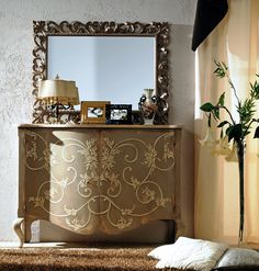 AP800 Specchiera intagliata -  Carved mirror | L/W 126 H 100 AP294/D24 Credenza sagomata 2 ante, decorata a mano - Shaped hand decorated sideboard with two doors  |  L/W 150 P/D 55 H 110