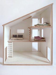 Maison de poupée simple et moderne idéal pour les petites mains. 3 niveaux avec échelle pour jouer avec playmobil, sylvanian ou autre personnages dont
