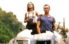 Tom Hiddleston and Brie Larson in Kong: Skull Island. Gif-set (by enchantedbyhiddlest): http://maryxglz.tumblr.com/post/157369096612/insanely-smart-maevecurrywrites
