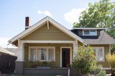 A Cozy & Eclectic Portland Bungalow