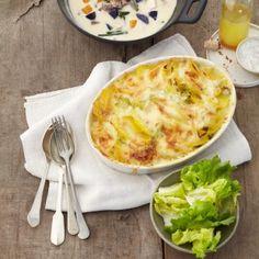 Kartoffel-Spitzkohl-Auflauf | Potato-Sweetheart Cabbage Casserole (in german) Savory Bread Puddings, Great Recipes, Favorite Recipes, Korean Food, Vegan Vegetarian, Macaroni And Cheese, Veggies, Cooking Recipes, Yummy Food