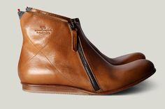 DZine Trip | Handmade Leather Boots from Italy: Hard Graft Footwear | http://dzinetrip.com