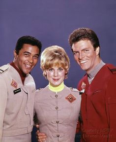 """""""Land of the Giants"""" Don Marshall, Heather Young, Gary Conway"""