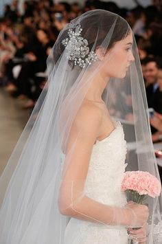 Bridal Fashion Week: See Oscar de la Renta's Gorgeous Wedding Dresses | StyleCaster