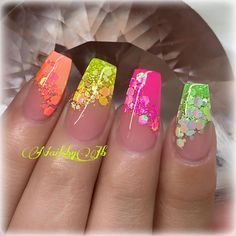 Nails DIY With Beautiful Design and Color Combination With Different kinds of nail art and fun nail designs Picture Credit Neon Nails, Bling Nails, Swag Nails, Best Acrylic Nails, Summer Acrylic Nails, Summer Nails, Neon Nail Designs, Nails Design, Nagellack Design