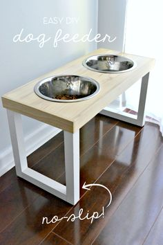DIY dog station. Would be awesome to have a second one, nesting just below. One for water and one for feeding.