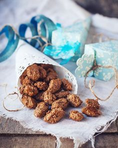 Burnt Almonds with Licorice Homemade Sweets, Edible Gifts, Food Gifts, Whisky, Cereal, Food And Drink, Place Card Holders, December, Snacks