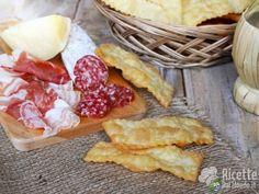 Chiacchiere salate  Sfiziose per accompagnare salumi e formaggi! http://bit.ly/Chiacchiere-salate