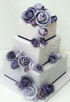 42 Square Wedding Cakes That Wow! – Wedding Cakes With Cupcakes Purple Cakes, Purple Wedding Cakes, Beautiful Wedding Cakes, Gorgeous Cakes, Pretty Cakes, Amazing Cakes, Wedding Flowers, Cake Wedding, Gold Wedding