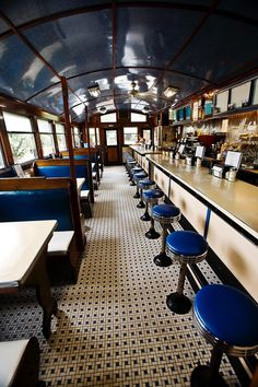 When looking at a commercial design the ability for everyon in the restaurant to fell they are participating in an event… Restaurant Design, Restaurant Bar, Vintage Diner, Retro Diner, 1950s Diner, Coffee Shop Design, Cafe Design, Cafe Bar, Food Truck Business