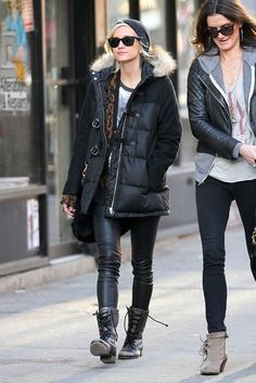 Ashlee Simpson Photo - Ashlee Simpson wears leather pants and a puffy jacket as she goes for a stroll around Soho, NYC