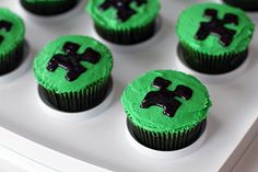 My son's Minecraft birthday party. Check out my creeper cupcakes,Minecraft birthday party craft ideas & treat bag ideas galore! Minecraft Cupcakes, Minecraft Food, Minecraft Birthday Cake, Creeper Minecraft, Creeper Cake, Mine Minecraft, Minecraft Stuff, Minecraft Ideas, Mine Craft Party