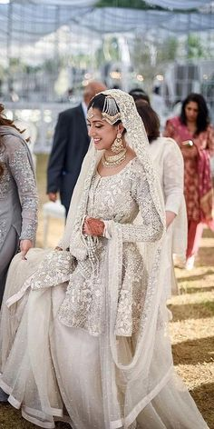 30 Exciting Indian Wedding Dresses That You'll Love - indian white wedding dres. - 30 Exciting Indian Wedding Dresses That You'll Love – indian white wedding dresses lace with floral empellisment punjabi oshoot – Source by - Pakistani Wedding Dresses, Indian Wedding Outfits, Bridal Outfits, Indian Weddings, Indian Dresses, Asian Wedding Dress Pakistani, Nigerian Weddings, White Weddings, African Weddings