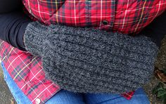 This muff is knit flat but could easily be done in the round. I didn't because the increases were too fiddly for my taste. The texture of the waffle stitch and the warm alpaca/wool bleand yarn make it extra cozy to share with someone special.