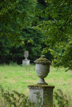 Urns #homerenovation #architecture #gardens http://www.motherofpearl.com