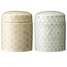 Lovely printed patterned storage jars from the same range as the mugs, plates and teapots. This Japanese style printed storage jars are great for keeping tea, coffee, sugar and biscuits in.Dia 12cmH 15.5cm