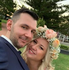 Beautiful Fanny wearing a romantic flower crown A great pleasure to meet her on her wedding day. Boho Wedding Flowers, Flower Crown Wedding, Romantic Flowers, Real Flowers, Happily Ever After, Wedding Day, Roses, Meet, Bride