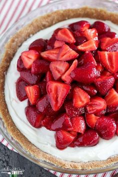 No Bake Fresh Strawberry Cream Cheese Pie - A buttery graham cracker crust filled with sweetened cream cheese and topped with a mountain of juicy fresh strawberries. This gorgeous no-bake pie is the perfect spring or summer dessert. Strawberry Cream Cheese Pie, Strawberry Crisp, Strawberry Recipes, Strawberry Fields, Raspberry, Cheese Dessert, Cheese Pies, Baked Strawberries, Strawberries And Cream
