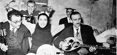 Σωτηρία Μπέλλου – Παπαιωάννου Greek Music, Kai, Che Guevara, Image, Legends, Suitcase, Musik, Chicken