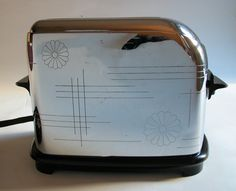 WOW - this is the toaster we use for everyday.  1936 Toastmaster.  Great site!