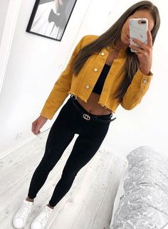 Outfit with yellow jacket Tenue avec jacket jaune Outfit with yellow jacket . - Outfit with yellow jacket Tenue avec jacket jaune Outfit with yellow jacket - Teenage Outfits, Teen Fashion Outfits, College Outfits, Look Fashion, Womens Fashion, Fashion Ideas, Graduation Outfits, College Graduation, Fashion Black