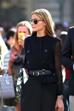 """that stylish & elegant living room """"attitude is the difference between an ordeal and adventure"""" that fabulous outfit of Olivia Palermo Estilo Olivia Palermo, Olivia Palermo Lookbook, Olivia Palermo Style, Fashion Mode, Look Fashion, Girl Fashion, Fashion Outfits, Womens Fashion, Fashion Story"""