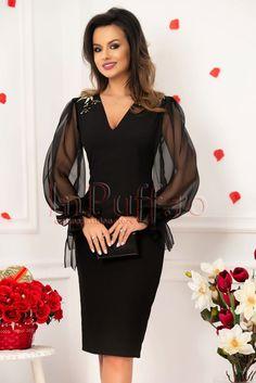 Rochie neagra de seara pana la genunchi cu maneci din tul transparent si decolteu in V