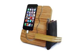 IPhone 4 stand - Valet