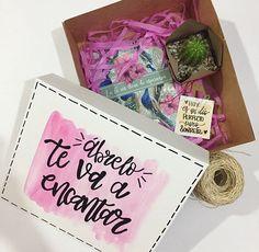 Caja de regalos Valentine Day Love, Valentines Diy, Love Gifts, Diy Gifts, Honey Shop, Diy And Crafts, Paper Crafts, Boyfriend Gifts, Diy Art