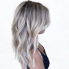 Silvery ash blonde and brown balayage loiro cinza, cabelo balayage, meu cab Blonde Balayage Highlights, Icy Blonde, Brown Blonde Hair, Short Balayage, Bright Blonde, Balayage Diy, Brown Balayage, Grey Highlights, Blonde Curls