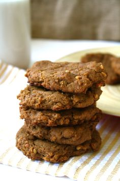 Valentine not one for chocolate? Make them these #vegan + #GF Peanut Butter Cookies instead! <3