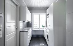 Kodinhoitohuone // utility room