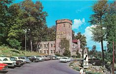 Chattanooga TN~Ruby Falls Lookout Mountain Caverns~Nice 1950-60s Cars~Volkswagen
